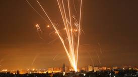 Editorial: Nuevo espectro de guerra