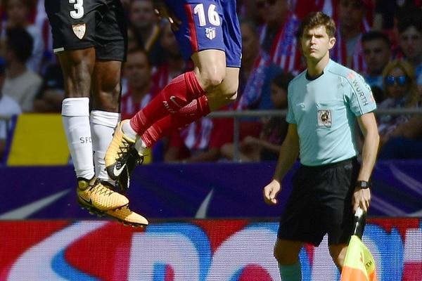 Cesar Noval Font, durante un partido de la Liga española entre el Atlético de Madrid y el Sevilla, en el Wanda Metropolitano. Foto PIERRE-PHILIPPE MARCOU / AFP