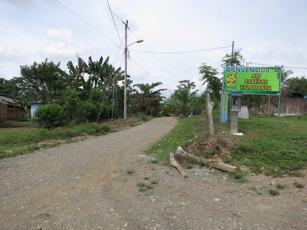 Japdeva, junto con el Inder y la Municipalidad de Talamanca, hicieron el camino de lastre en el pueblo de China Kichá, en Telire. | RONNY JAÉN