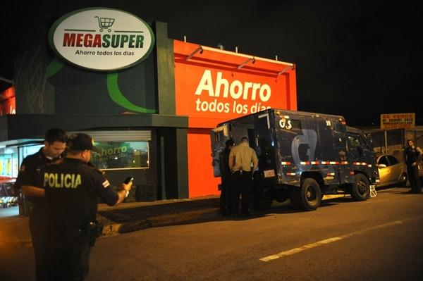 El camión fue revisado anoche por agentes judiciales. | GESLINE ARANGO
