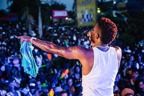 El cantante de origen jamaiquino, Konshens, se presentará en el país el próximo 29 de junio, en el Centro de Eventos Pedregal.