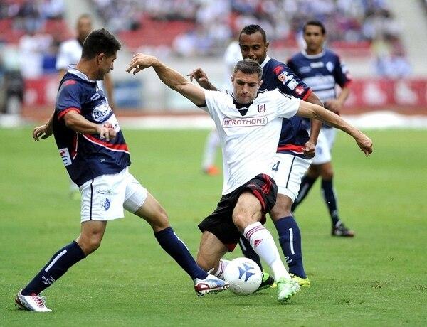 El Fulham derrotó 0-3 al Cartaginés en el Estadio Nacional de San José. La superioridad de los londinenses fue absoluta. | MEYLIN AGUILERA