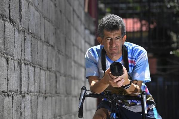 Mario Castillo es fotógrafo profesional, en este momento, busca un empleo fijo.