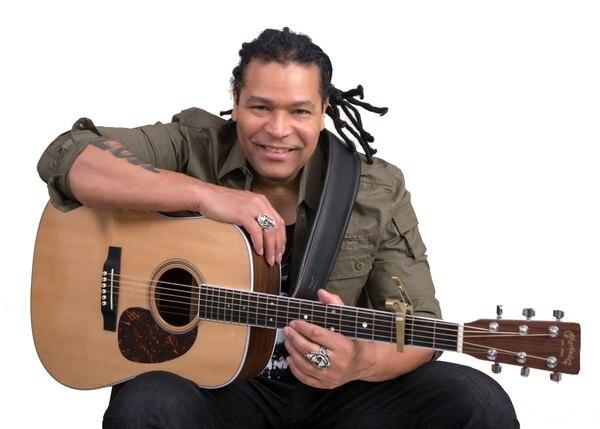 El cantautor cubano Amaury Gutiérrez estará en el Jazz Café Escazú como parte de su gira 'Encanto'. Foto: Cortesía 94.7.