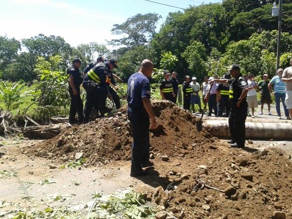 La Fuerza Pública levanta los bloqueos en Paquera.