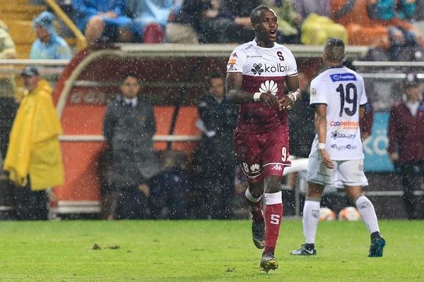 Rubilio Castillo anotó el tanto de Saprissa en la final ante San Carlos. Foto: Rafael Pacheco