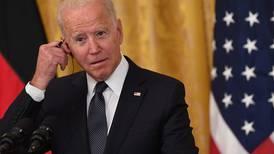 Críticas de Biden alejan su prometida reconciliación con Cuba