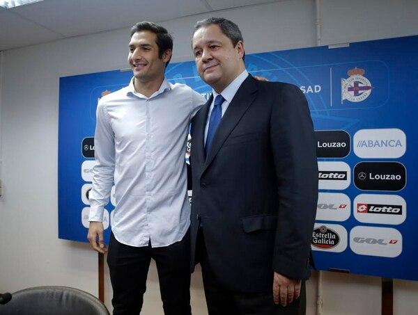 Celso Borges en su presentación con el Deportivo. Foto: La Voz de Galicia/ César Quián