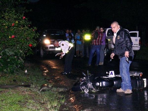 Agentes del OIJ se encargaron de recoger las evidencias. | REINER MONTERO GN.