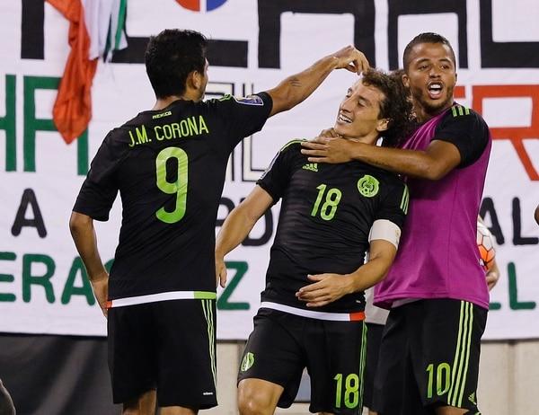 Andrés Guardado celebra el gol que le anotó a la Sele en el minuto 122 del juego Costa Rica vs.México.
