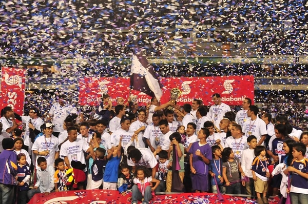 San Carlos se coronó campeón nacional en mayo anterior por primera vez en su historia. Fotografía : Jorge Castillo/La Nación.