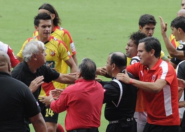 Odir Jacques, en ese entonces entrenador del Herediano, fue parte del pleito entre jugadores y cuerpo técnico en la pasada Supercopa. / Archivo