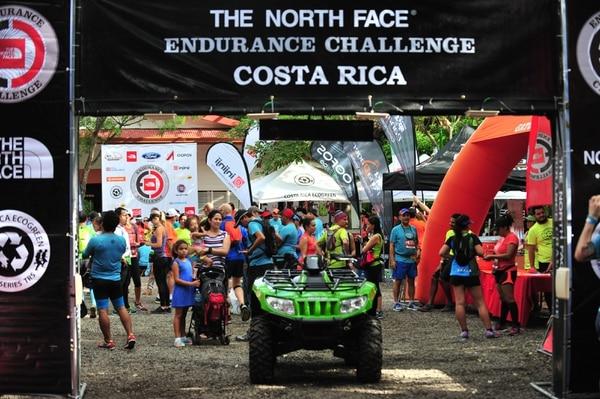 Los atletas participantes en el evento The North Face Endurace Challenge fueron acompañados por sus familiares y amigos, quienes los alentaron a concluir la competencia en las diferentes distancias.