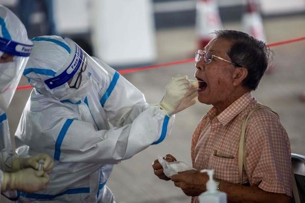 Según el ministerio de Salud la situación sigue bajo control a nivel nacional, con solo 331 enfermos en todo el país. Foto AFP