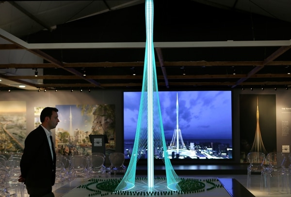 El complejo de Dubai Creek Harbour, diseñado por el arquitecto Santiago Calatrava contará en su conjunto con 3.664 unidades de oficinas, 39.000 viviendas, 22 hoteles con 4.400 habitaciones