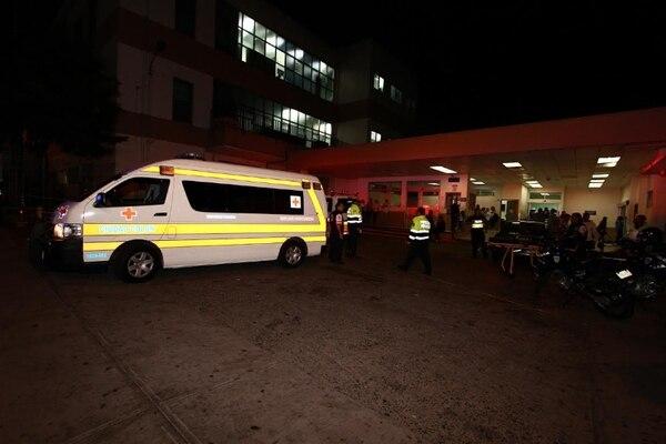 A la sección de Emergencias del hospital San Juan de Dios llegaron cuatro de los afectados. José Cordero