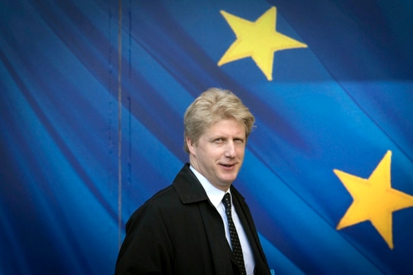 Jo Johnson visita la Comisión Europea, en Bruselas, el 28 de marzo del 2017. Foto: AP