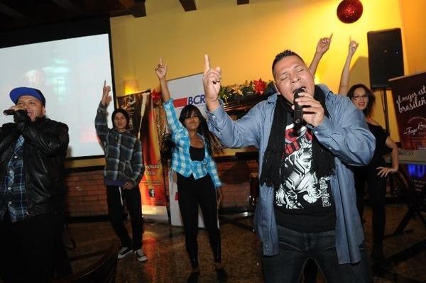 El dúo costarricense Aliazion fue escogido como el intérprete del tema oficial de la Teletón 2012. Marvin Caravaca.Tema.