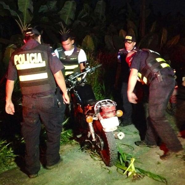 La motocicleta de Abarca se encontraba al lado de la vía. | REINER MONTERO