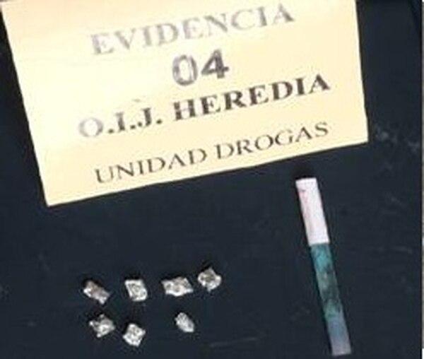 Lo decomisado a la sospechosa se usará como evidencia.