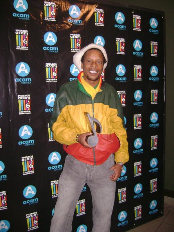 Michael Livingston recibió en el 2009 un premio ACAM.