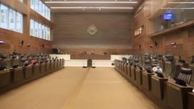 Diputados suspenden sesiones por una semana por contagio de covid-19 de Gustavo Viales