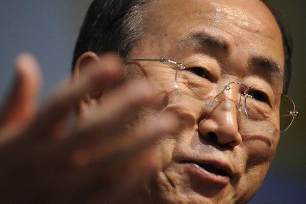 El secretario general de la ONU, Ban Ki-moon, habló durante una conferencia de prensa en la Conferencia Mundial del Clima, en el 2009, en Ginebra, Suiza.