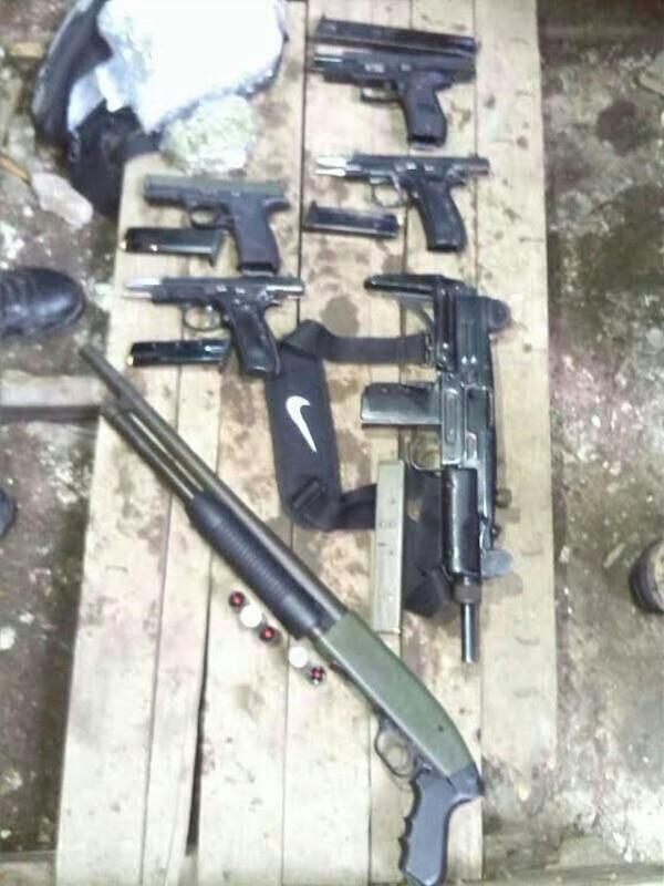 El lote de armas, cargadores y municiones quedó a la orden de las autoridades judiciales.