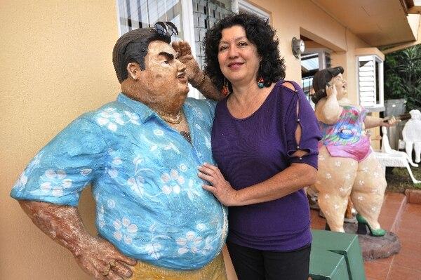 Leda Astorga recibirá en su taller a interesados en conocer el proceso creativo de diez artistas costarricenses. Foto: Carlos González