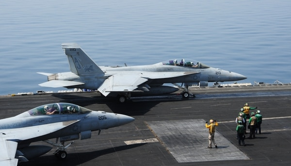 Estados Unidos autorizó ataques aéreos contra Irak.