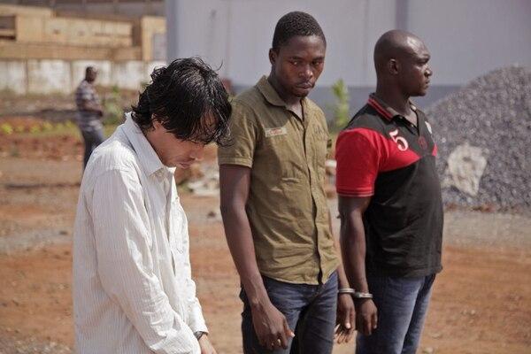 Un vietnamita y dos togoleses fueron arrestados como sospechosos por ser responsables del trasiego ilegal del cargamento de marfil.