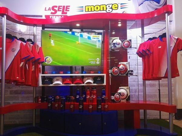 El objetivo de Grupo Monge es facilitarle a los ticos el acceso a los productos oficiales de la Selección Nacional.