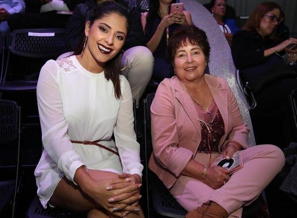 María José Ulate y Ana Lía González estuvieron apoyando a Yiyo durante su presentación.