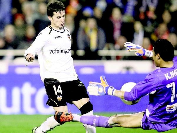 Keilor Navas será titular en la eliminatoria a Brasil 2014, a pesar de haber jugado poco en esta temporada. Aquí ante Valencia en Copa del Rey. | AP