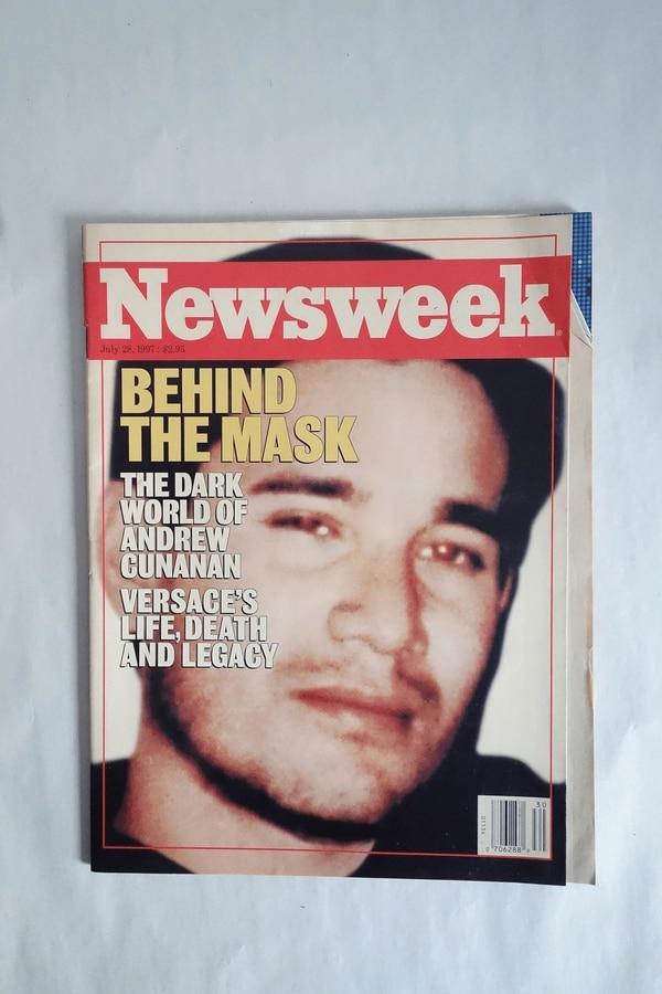 La búsqueda de fama mediática a cualquier costo fue una de las razones posibles que se manejan, hasta el día de hoy, como el motivo de Cunanan para asesinar a Gianni Versace. Irónicamente, logró su cometido. Acá, en un amplio perfil sobre él, publicado un mes después de los hechos en la prestigiosa revista Newsweek.