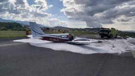 Seis ocupantes de avioneta salieron ilesos luego de aterrizaje de emergencia en aeropuerto de Pavas