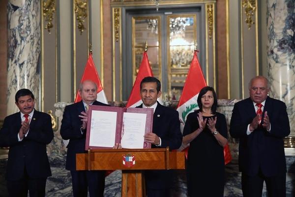 El presidente de Perú, Ollanta Humala promulgó hoy la ley de creación del distrito La Yarada-Los Palos, en la región sureña de Tacna, que ha generado una controversia con Chile por incluir una zona que ambos países consideran parte de su territorio.