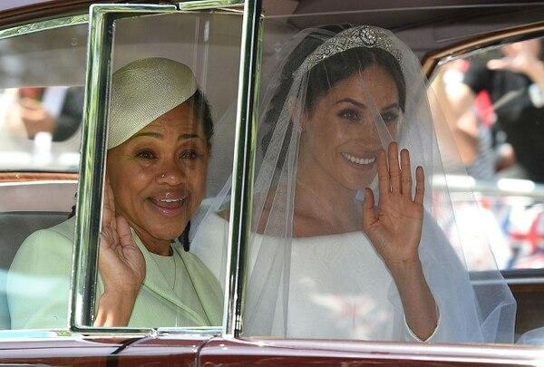 Meghan Markley su madre, Doria Ragland, durante la boda (Photo by Oli SCARFF / AFP)