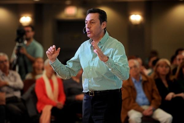 Antonio Álvarez Desanti durante un encuentro con educadores en octubre. Fotos: Melissa Fernández