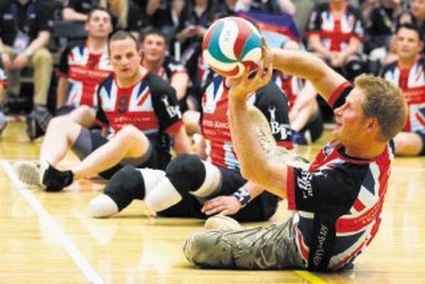 Príncipe Harry practica deportes con soldados heridos - 1