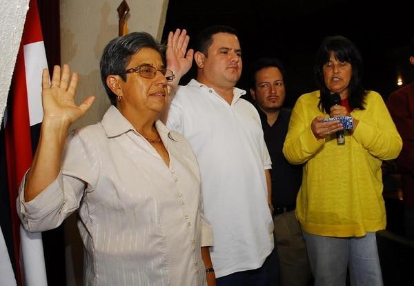La antropóloga de 63 años, Margarita Bolaños, fue juramentada este sábado como la nueva presidenta del partido de Gobierno, Acción Ciudadana (PAC). Ella ya había sido secretaria general de la agrupación entre el 2009 y el 2013.