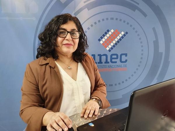 María Luz Sanarrusia, coordinadora de la Encuesta Continua de Empleo. Foto: Cortesía INEC.