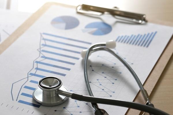 La investigación de los servicios de salud explora diferentes áreas, por lo que dentro de sus investigadores hay toda una variedad de profesionales: economía, medicina, antropología, sociología, estadística, administración, psicología, enfermería y educación, entre otras, pueden dar sus opiniones. Fotografía: Shutterstock