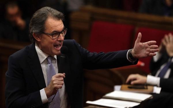 Artur Mas habló el miércoles, en la sesión de control al Gobierno catalán del Parlamento, sobre la anunciada impugnación de la consulta. | EFE
