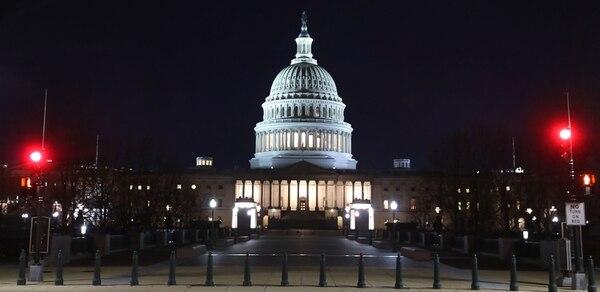Los republicanos y los demócratas no están de acuerdo con las demandas del presidente Donald Trump de $5.000 millones de dólares para construir un muro en la frontera sur de los Estados Unidos. Mark Wilson / Getty Images / AFP