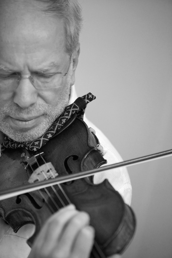 violinista alemán Gidón Kremer, violín