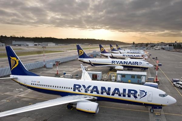 Los Boeing 737 de Ryanair vuelan a 30 países de Europa.   CORTESÍA RYANAIR