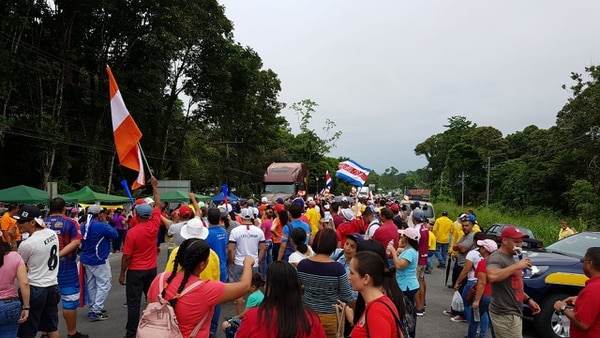 Durante la huelga iniciada el 10 de setiembre contra la reforma fiscal, fue usual el bloqueo de carreteras. Fotografía: Reiner Montero
