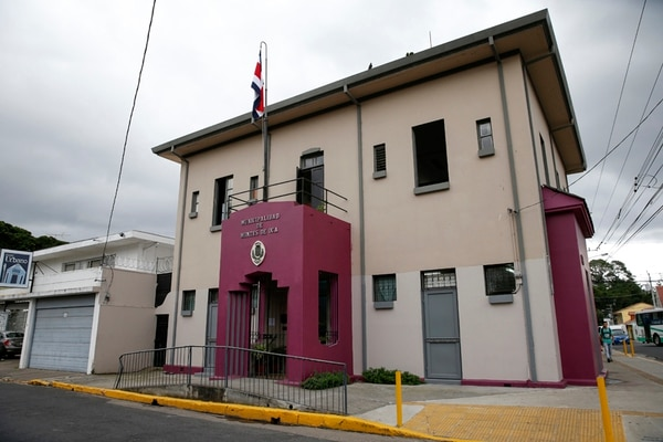 Montes de Oca extinguió la Convención el 30 de setiembre.   LN