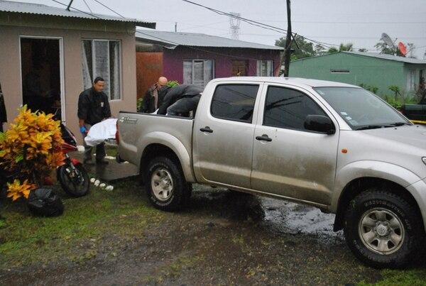 El hecho ocurrió este martes, en Guápiles. | ALEJANDRO NERDRICK